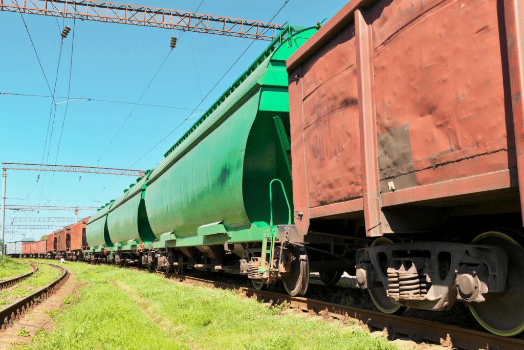 kradzieże towarów z transportów kolejowych